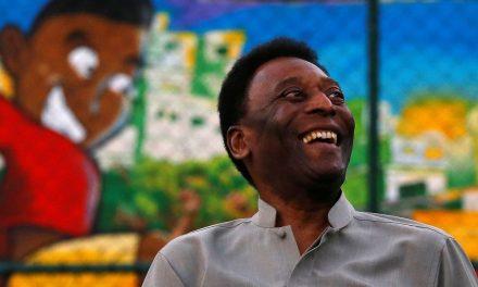 Pelé afirma estar grato por chegar lúcido e saudável aos 80 anos