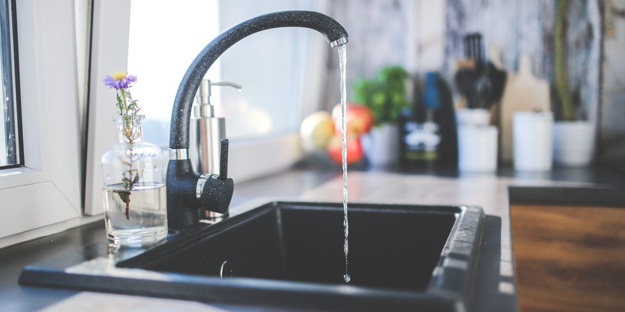 15 bairros ficam sem água nesta terça (03)