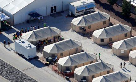 Pais de crianças separadas na fronteira EUA-México não são encontrados