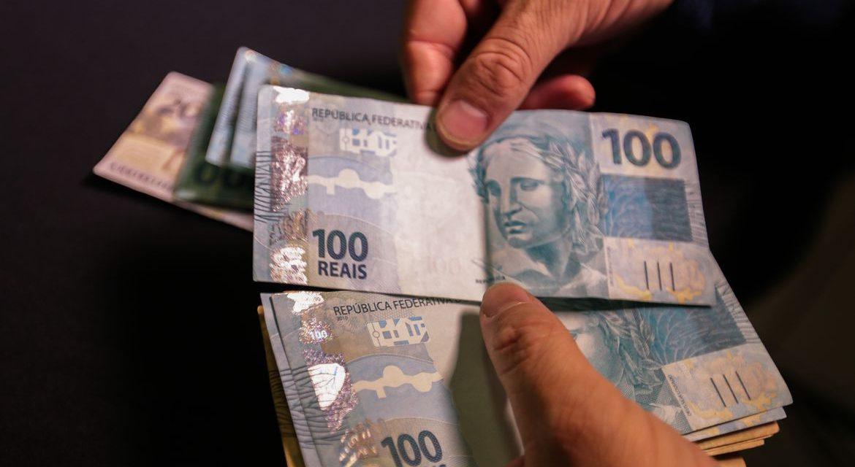 Salário mínimo de R$ 1.088 é aprovado