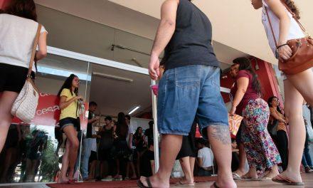 Índice de jovens que não estudavam nem trabalhavam caiu em 2019