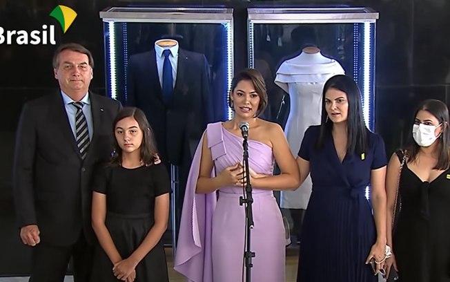 Governo inaugura exposição de roupas que Bolsonaro e Michelle usaram na posse