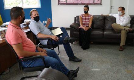 ESPORTE LOUVEIRA: Prefeitura e Sesi firmam parceria para implantação de programa esportivo