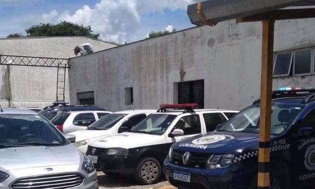 Três suspeitos de roubo são presos no Santo Antônio