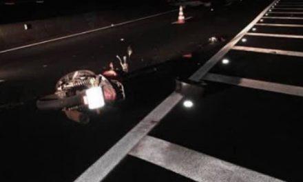 Motorista foge após atingir moto e matar rapaz na Anhanguera, próximo ao Burck