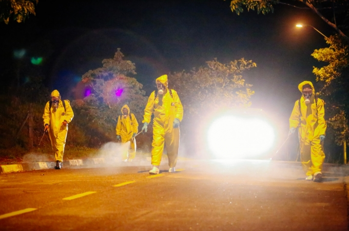 Desinfecção de ruas chega aos bairros Cidade Jardim, Jardim São Francisco, Jardim Belo Horizonte, Vila Pasti, Residencial Serra Azul e Colinas de São José