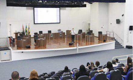 Câmara recebe treinamento sobre programa de parcelamento de dívidas