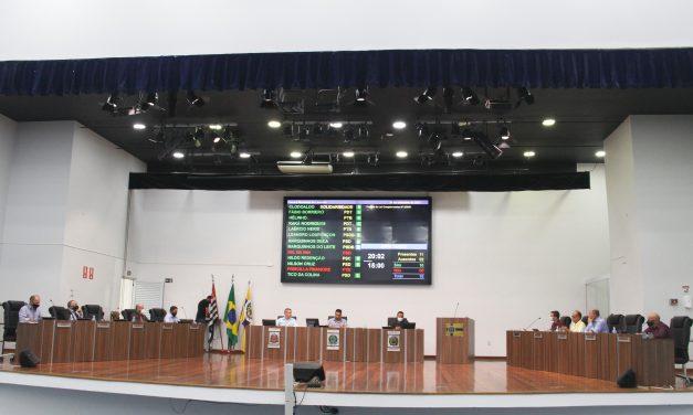 Vereadores debatem em sessão agita nesta quinta (30) e aprovam taxa de lixo, além de projetos para Esporte