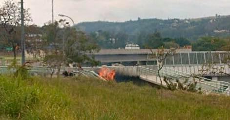 Homem coloca fogo em mato e é preso pela GM