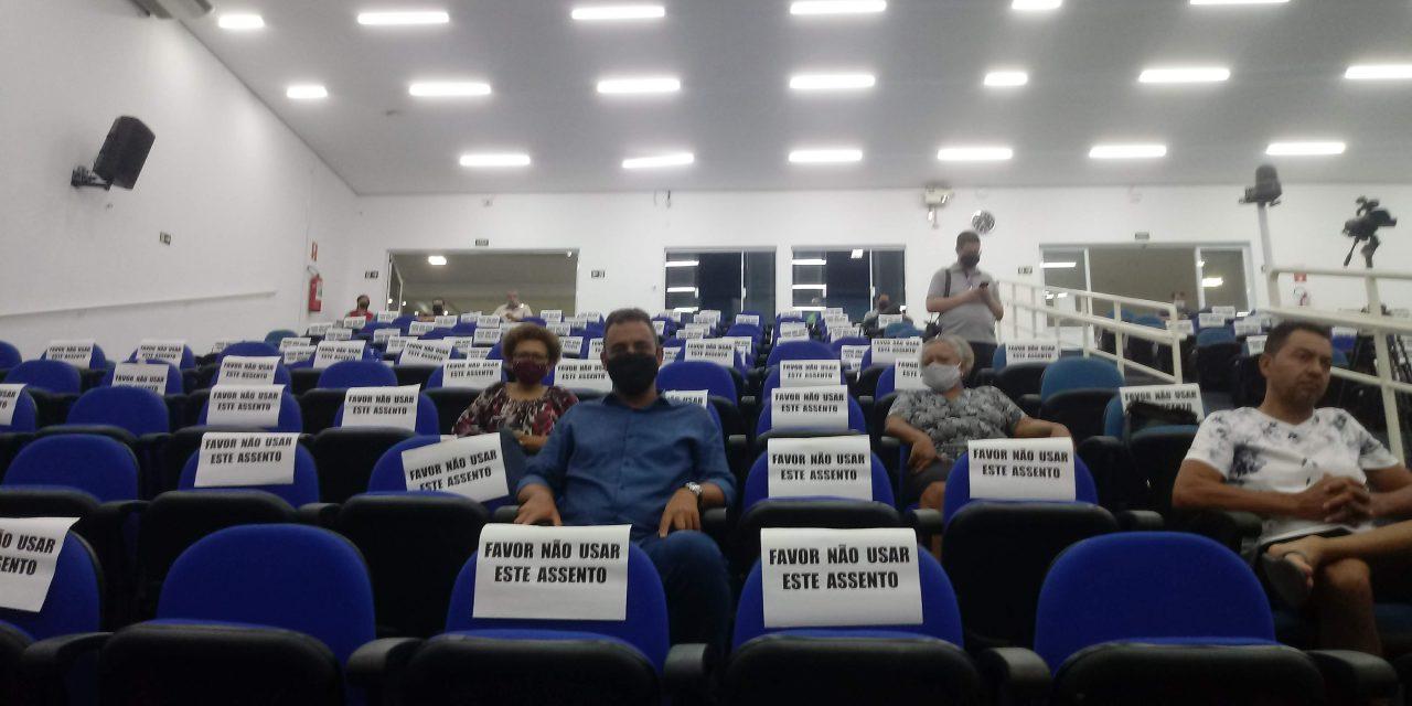 Vice-prefeito eleito acompanha audiência pública sobre Orçamento