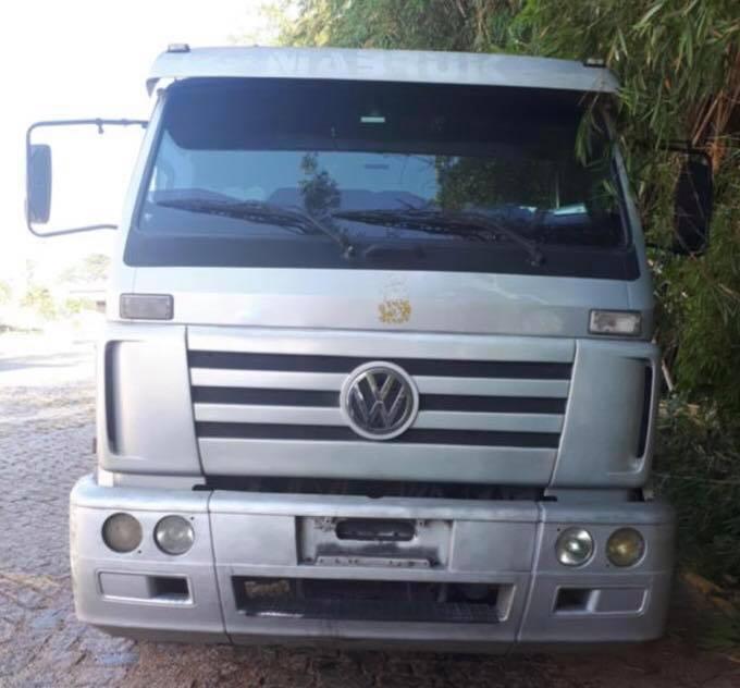 Caminhão roubado é encontrado em Louveira