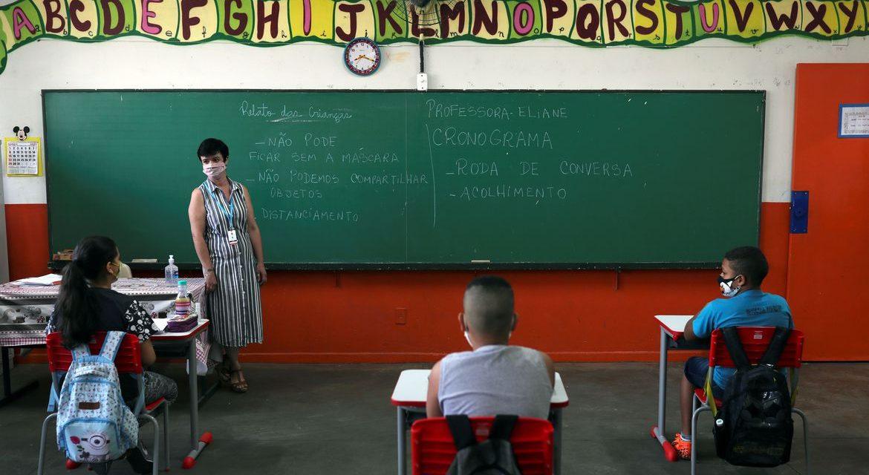 Educação em Louveira: especialistas debatem aulas em ambientes abertos