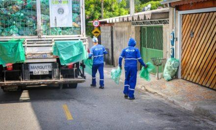Coleta seletiva está sem saco verde específico para material reciclável
