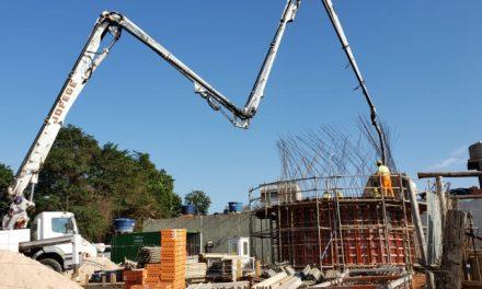 Segunda etapa de concretagem do reservatório da região da Estrada Pau a Pique é iniciada