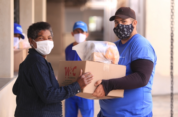 Famílias de Louveira começam a retirar cestas de alimentos em nova rodada