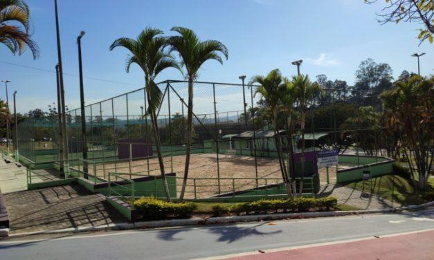 Quadras e pistas de caminhada e skate estão liberadas para prática de esportes a partir desta segunda-feira (2)