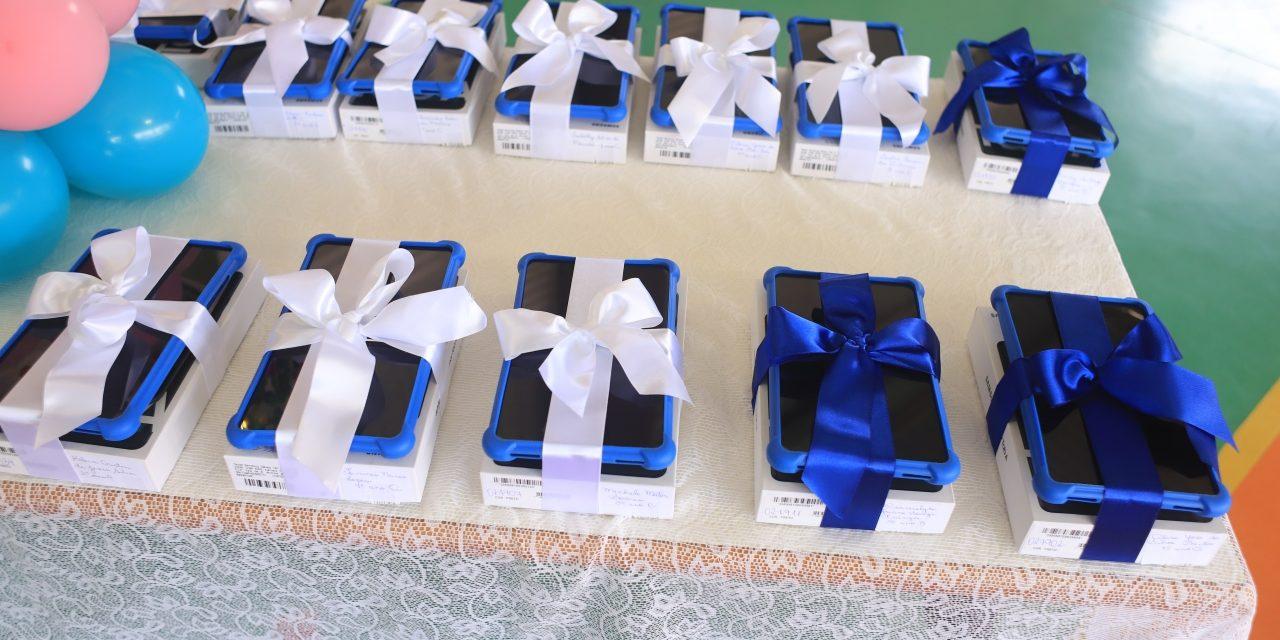 Alunos de Louveira recebem tablets. Serão mais de 4,1 mil equipamentos