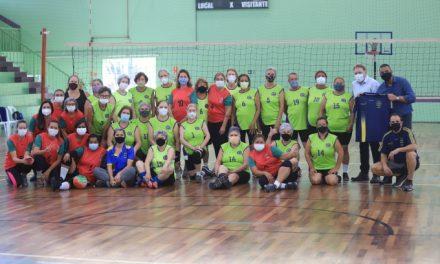 Jogos de vôlei adaptado marcam mais uma atividade em comemoração ao Dia do Idoso em Louveira